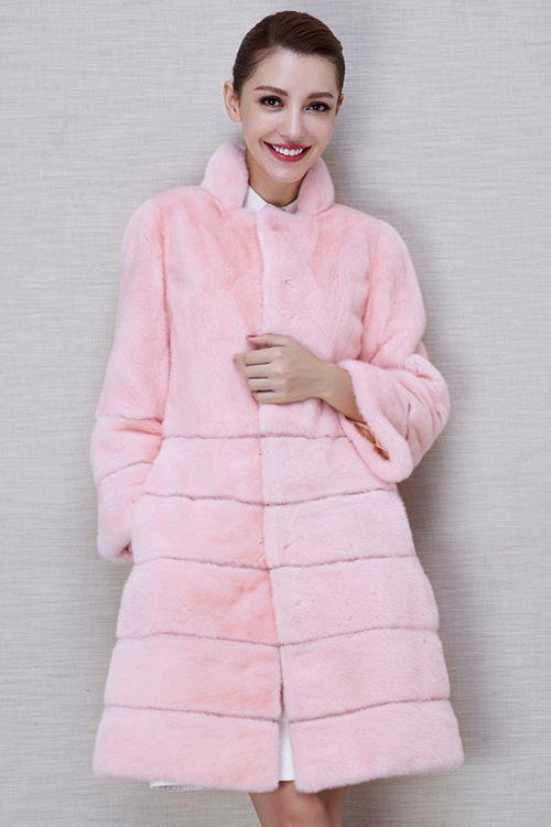 Розовая шуба поперечного кроя