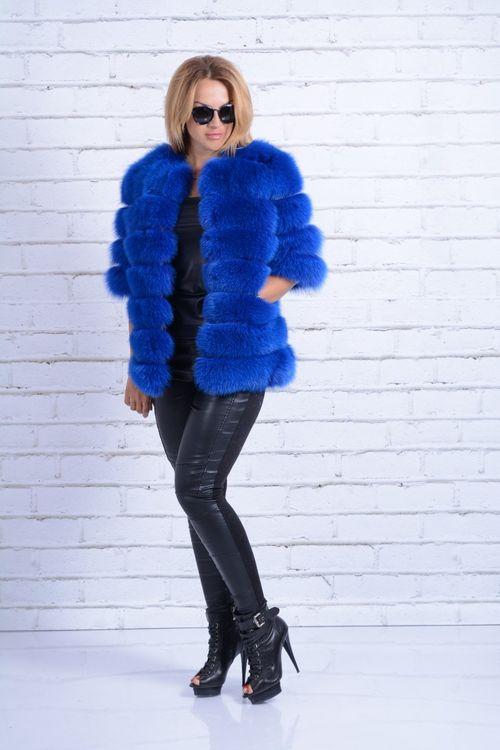 Шубы синего цвета: выбор ярких модниц