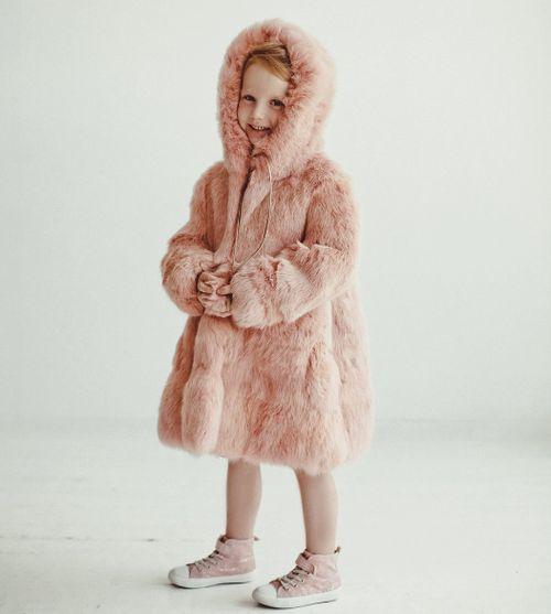 Детская розовая шуба