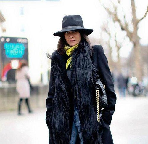Модная шляпа к шубе