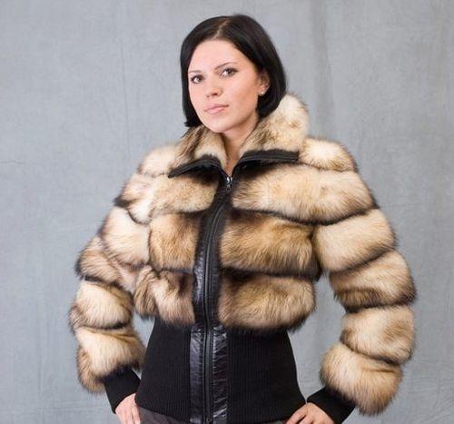 Короткая куртка на молнии из степного хоря