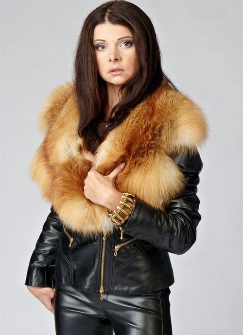 Куртка с опушкой меха