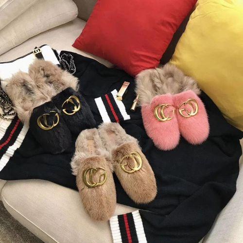 Меховые тапки Gucci