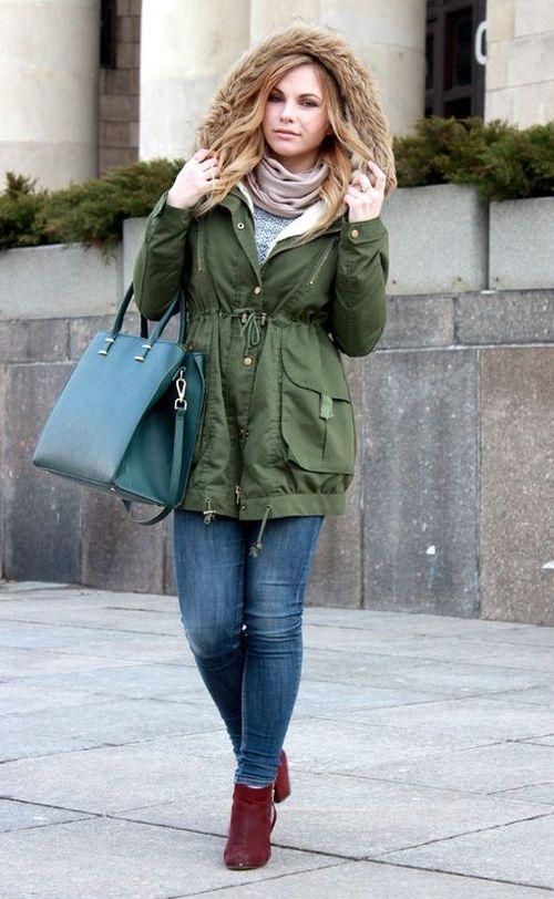 Зеленая куртка парка