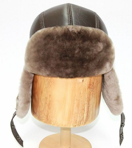 Мужская шапка из мутона комбинированная с кожей