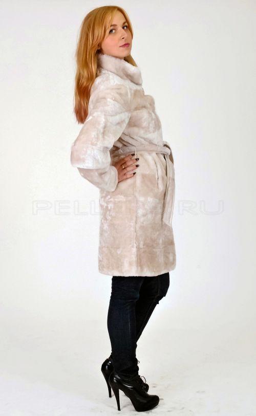 Светлая мутоновая шуба-халат