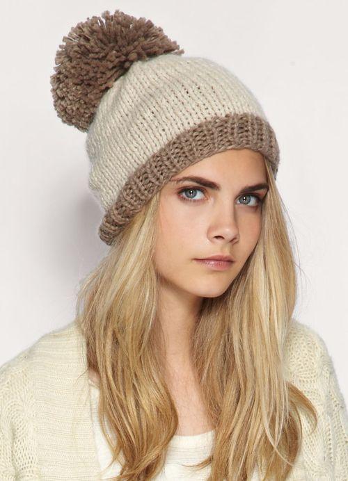 Девушка в зимней шапке
