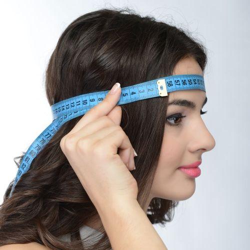 Обхват головы сантиметровой лентой