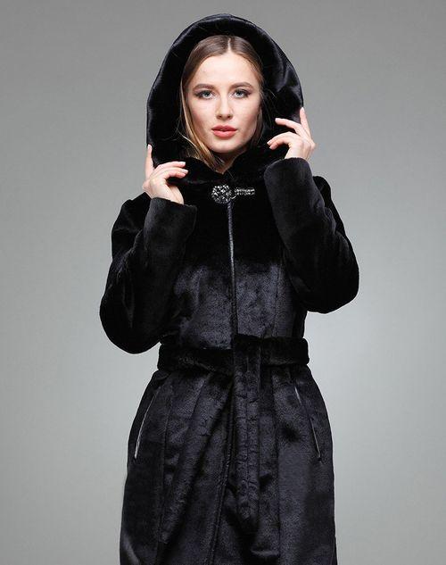 Женская шуба с капюшоном мутон